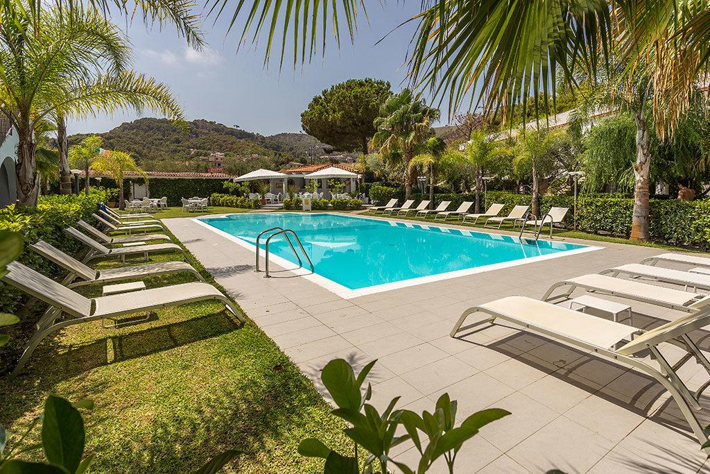 Residence e b b con piscina nel cilento baia marticana - B b con piscina ...