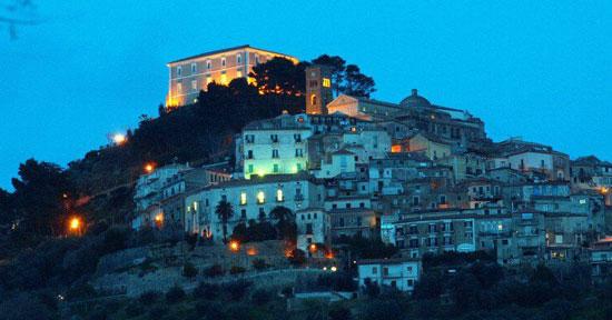 Borgo medievale di Castellabate nel CIlento